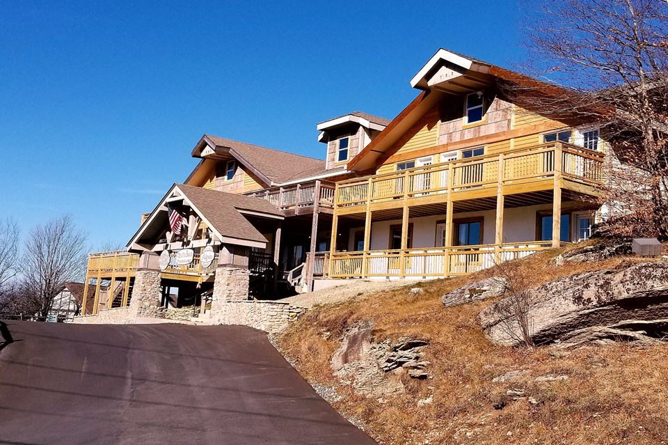 Banner Elk Beech Mountain For Lodging Property Listing