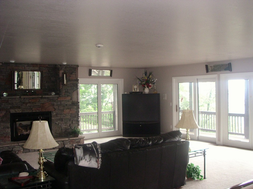 family room, fireplace seating area